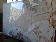 Мрамор владеет глубокими цветовыми оттенками